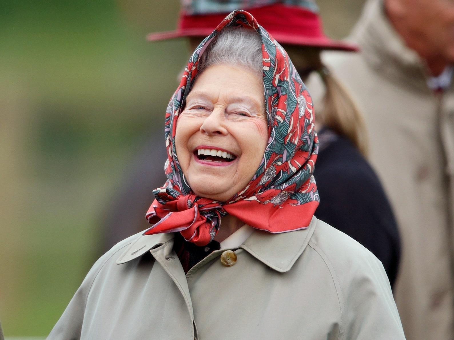 Queen Look 1