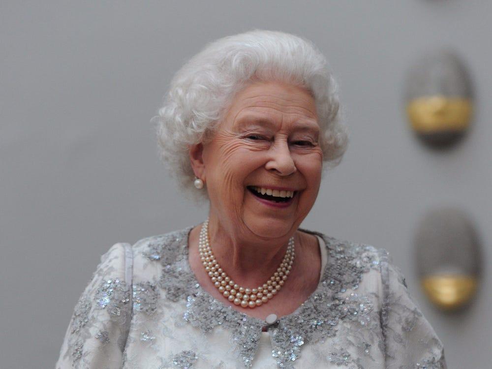 Queen Look 3