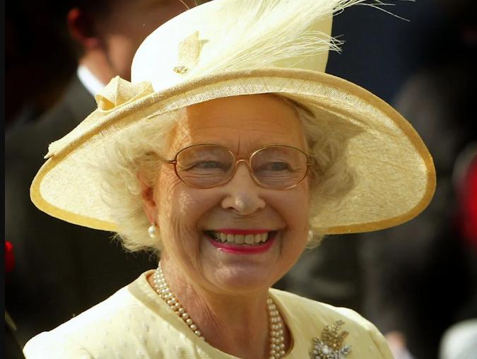 queen_yellow_4